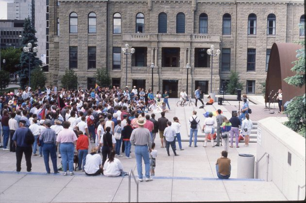 1991-city-hall-crowd